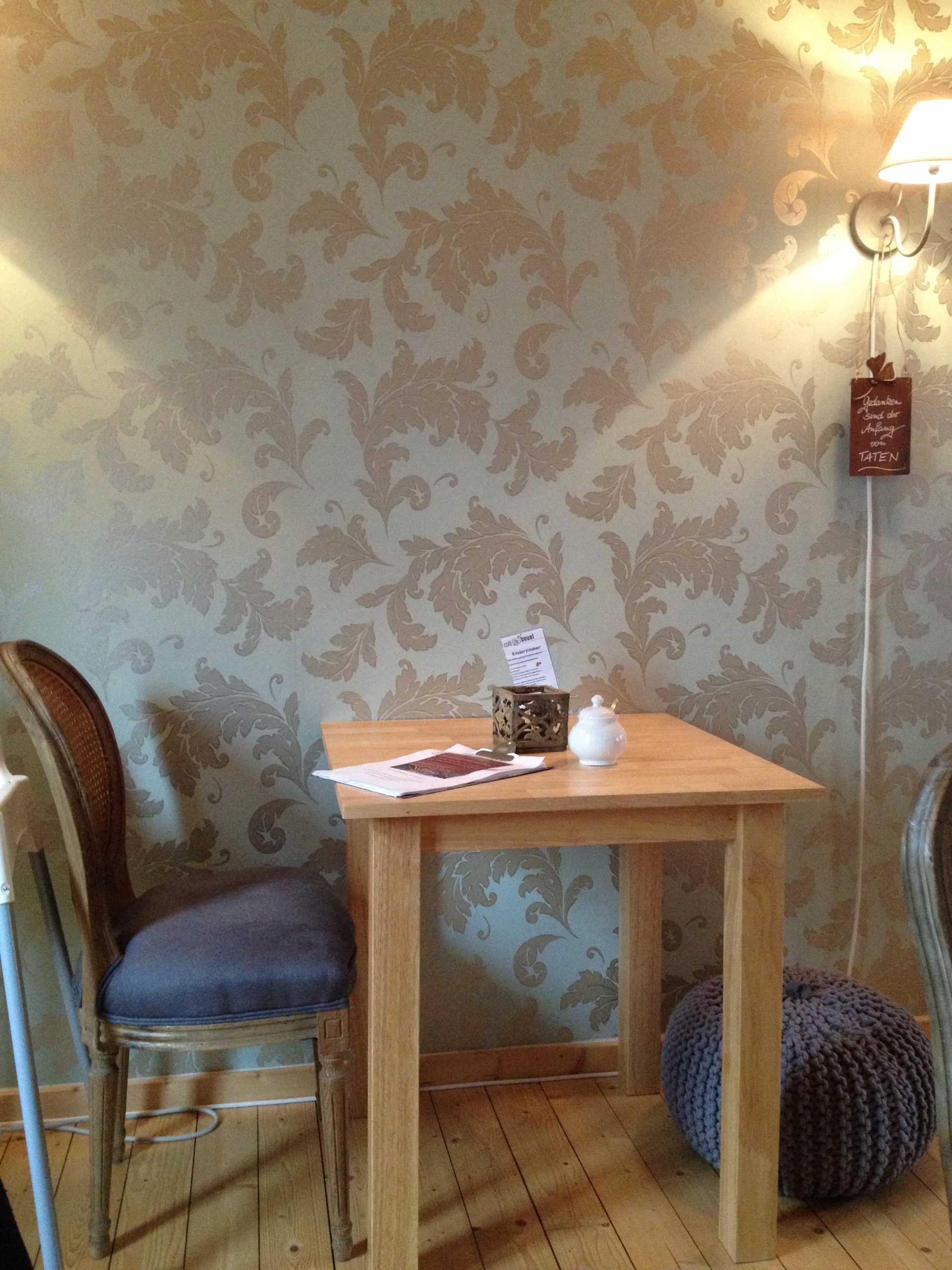 Mayras Wohnzimmer Café